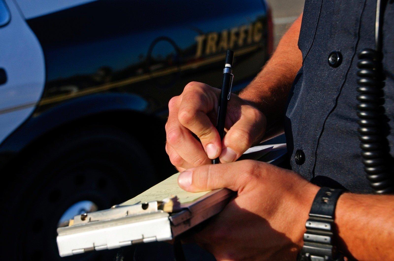 在美国遇到交通罚单怎么办? 减免罚单三大招