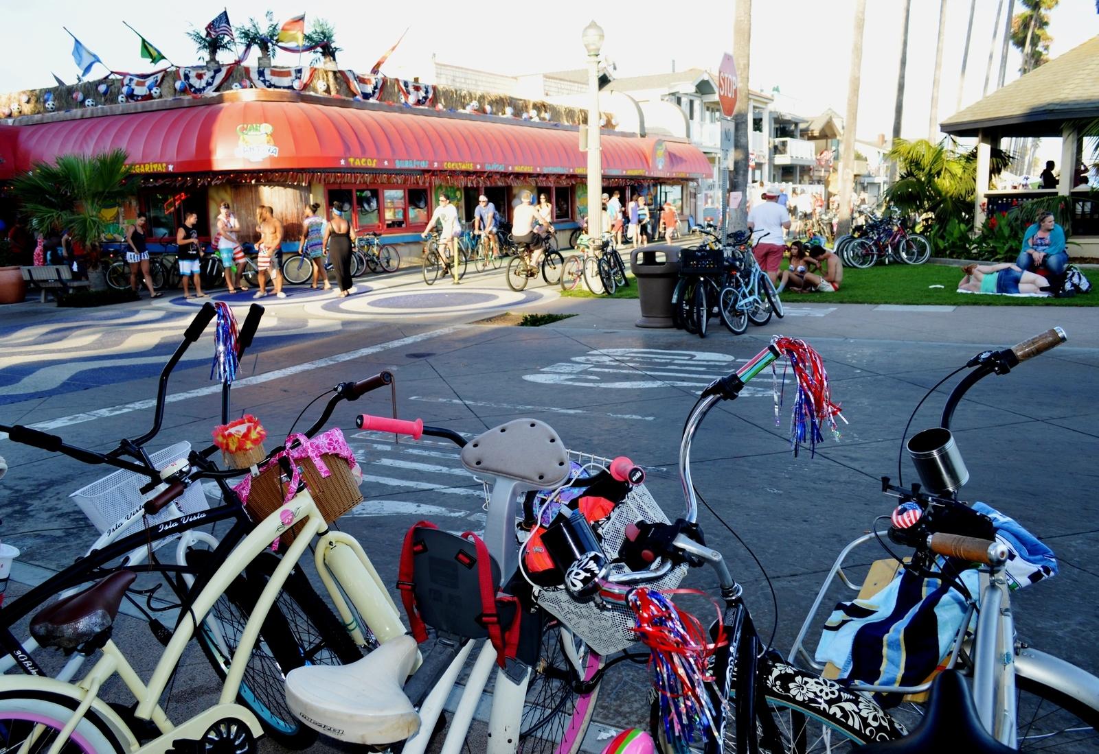 E Balboa Blvd And Palm St Newport Beach Ca