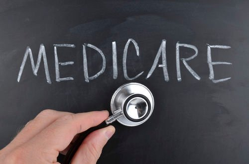 2019 美國醫療白卡 (Medicaid) &紅藍卡 (Medicare) 申請資格條件、醫療福利的比較分析