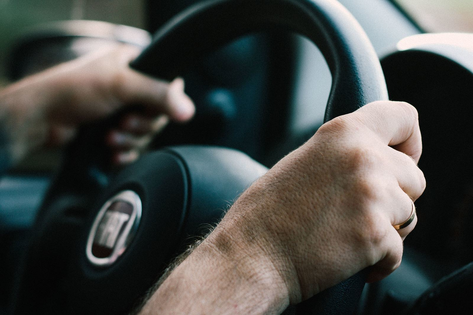 美國行車記錄器科普.法規、選購、注意事項、安裝